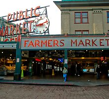 Pike Place, Seattle, Washington by Mike Truong