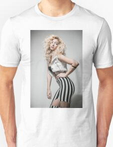 Flirting Young Hip female teen with blond curly hair  T-Shirt