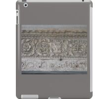 FLORAL RELIEF iPad Case/Skin