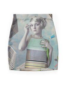 Girl in the big city Mini Skirt