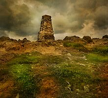 The Cairn on Loughrigg Fell by eddiej