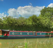 Narrowboat Derwent6 - Stoke Bruerne by SimplyScene