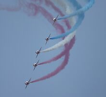 Red Arrows by punkymonkey