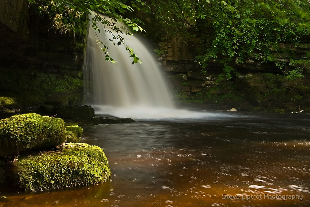 Cauldron Falls by Steve  Liptrot