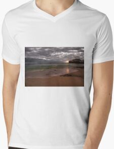 London Bridge Portsea   Mens V-Neck T-Shirt