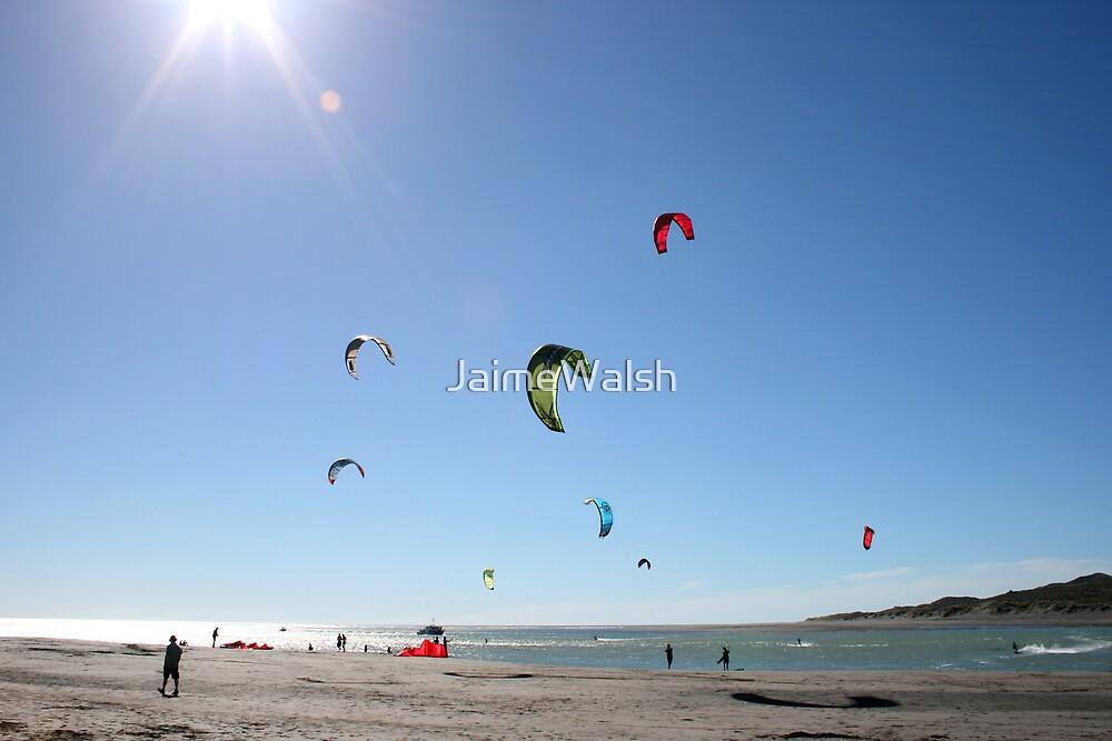 Raglan kite surfers by JaimeWalsh