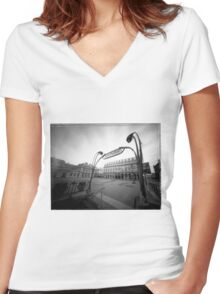 building eye Women's Fitted V-Neck T-Shirt