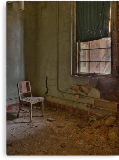 Rusted Chair by DariaGrippo