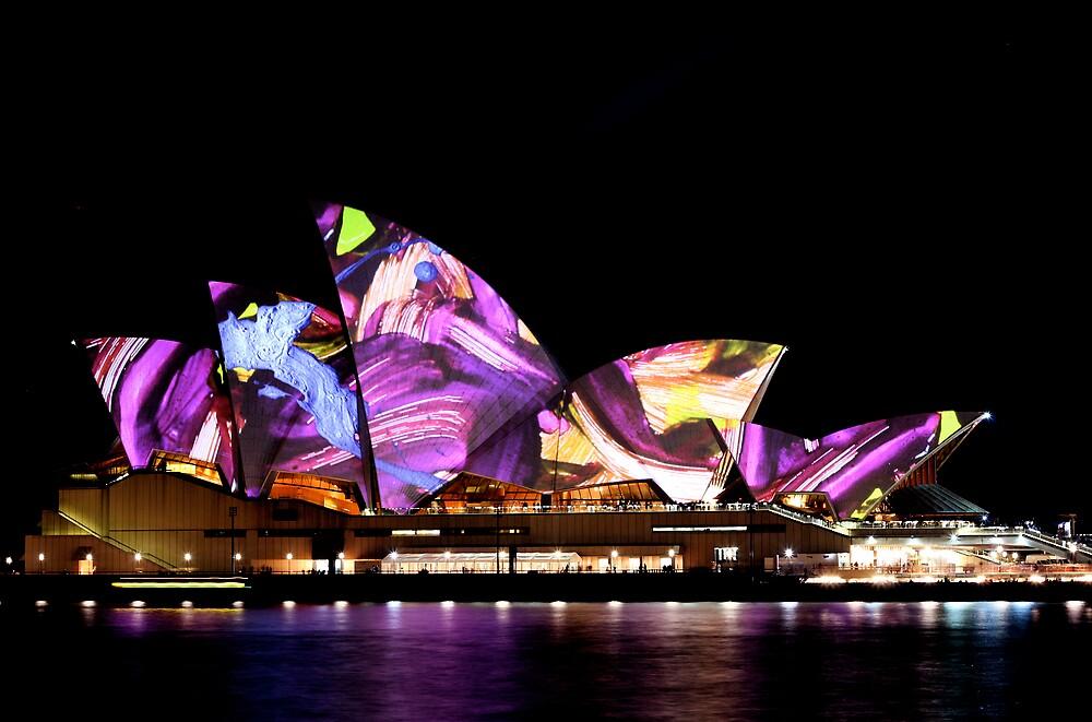 Sydney Opera House I by TainaHall