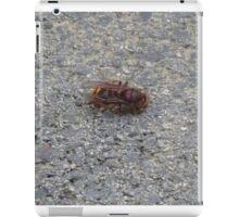 A dying hornet n°3 iPad Case/Skin