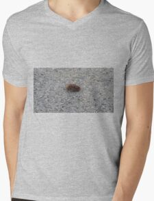 A dying hornet n°3 Mens V-Neck T-Shirt