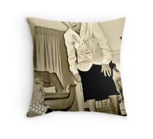 Land of the giants Throw Pillow
