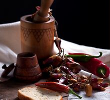 Still life with pepper by vaskoni