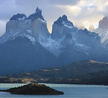 Cuernos del Paine by Shubie
