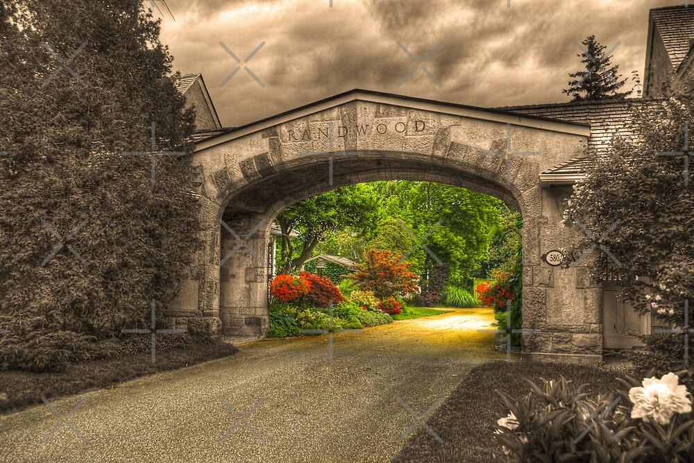 Randwood in Niagara-on-the-Lake by (Tallow) Dave  Van de Laar