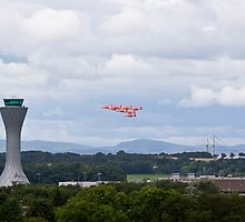 Red Arrows Edinburgh Tower Pass by Richard Hanley www.scotland-postcards.com