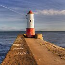 Berwick Upon Tweed Lighthouse by Chris Tait