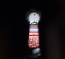 Through the keyhole I found faith by zoezoo