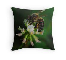 Nectar time Throw Pillow
