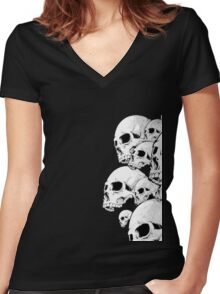 Skulls incoming - Right Women's Fitted V-Neck T-Shirt