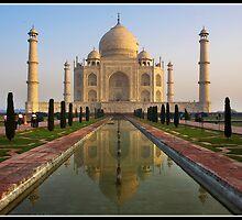 Taj in the early morn' by Shaun Whiteman