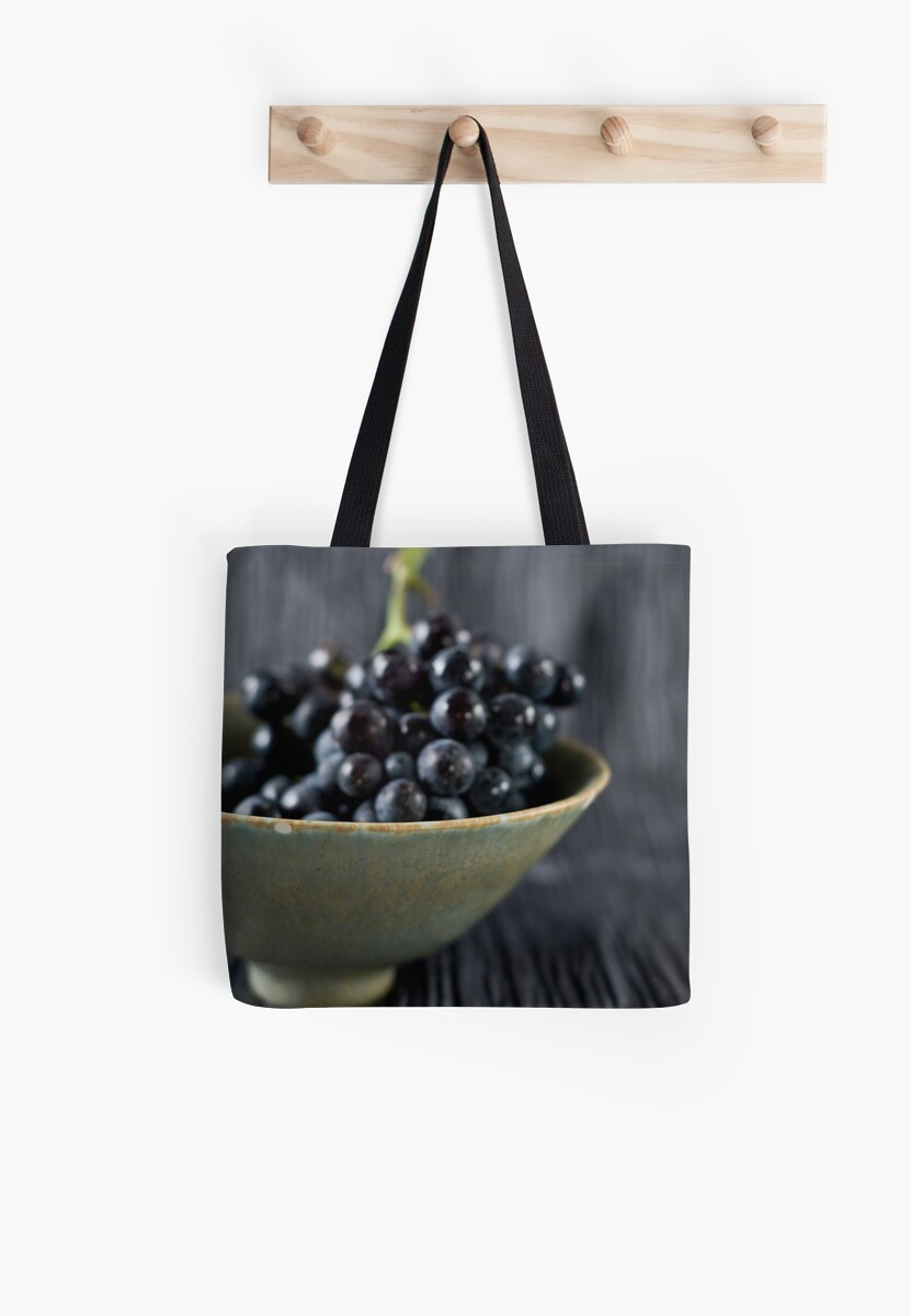 Grapes by Ilva Beretta