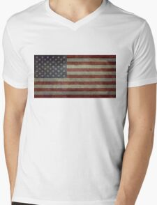 "Flag of the United States of America - Authentic ratio 10:19 ""G-spec"" for ""government specification"" Mens V-Neck T-Shirt"