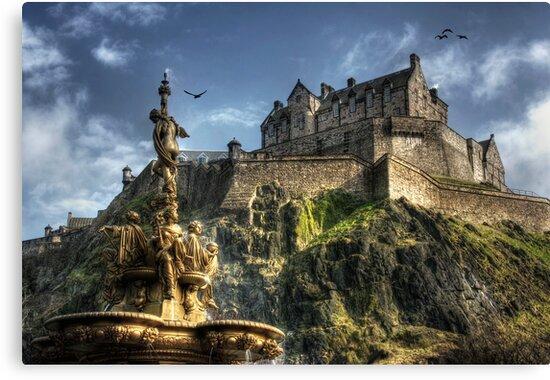 Edinburgh Castle by Thistle Images