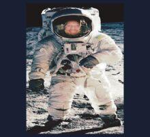 astronaut by OzzySkateboard