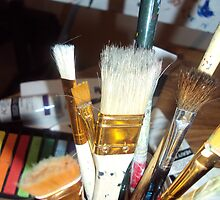 paint brushes by kalizoomba