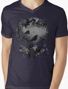 Skull with Crows - Grunge Mens V-Neck T-Shirt