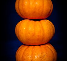 Mini pumpkin balance by yurix