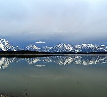 Jackson Lake in the dawn light by becmayr