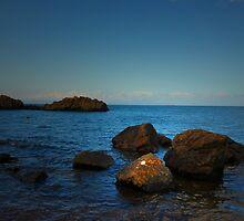 THE OCEAN ROCKS by leonie7