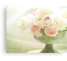 Old fashioned roses Canvas Print