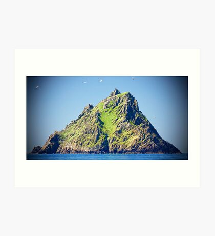 approach to skellig island Art Print