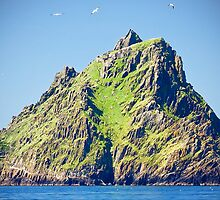 approach to skellig island by Noel Moore Up The Banner Photography