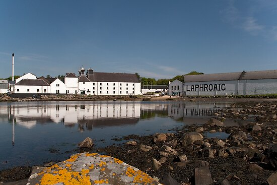 Islay: Laphroaig Distillery by Kasia-D