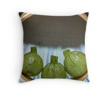 Round zucchini Throw Pillow