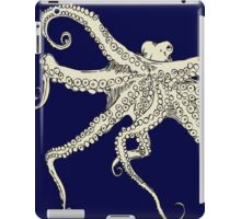 Vector illustration of hand drawn with octopus iPad Case/Skin