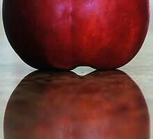 Just a nectarine by loinfr