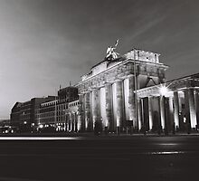 Brandenburg Gate by peter1892