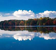 Fall at Lake Mamanasco by Andrew Hubbell