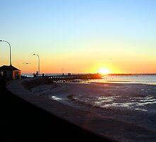 Moonta Bay Pier by Leanne Nelson