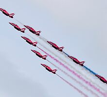 Red Arrows - 2015 Display Tails by captureasecond