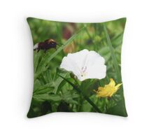 Bumble in flight Throw Pillow