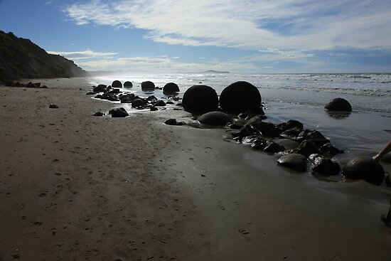 Moeraki boulders, New Zealand by fns720