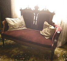 Living Chair by Hunniebee