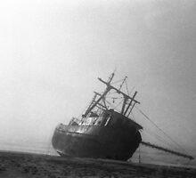 Shipwreck by Chongatoka