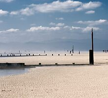 Breakwaters at  Rhyl by maxblack